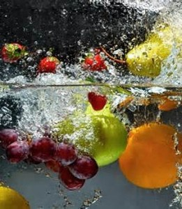 how-to-sanitize-raw-fruits-and-vegetables-261x300